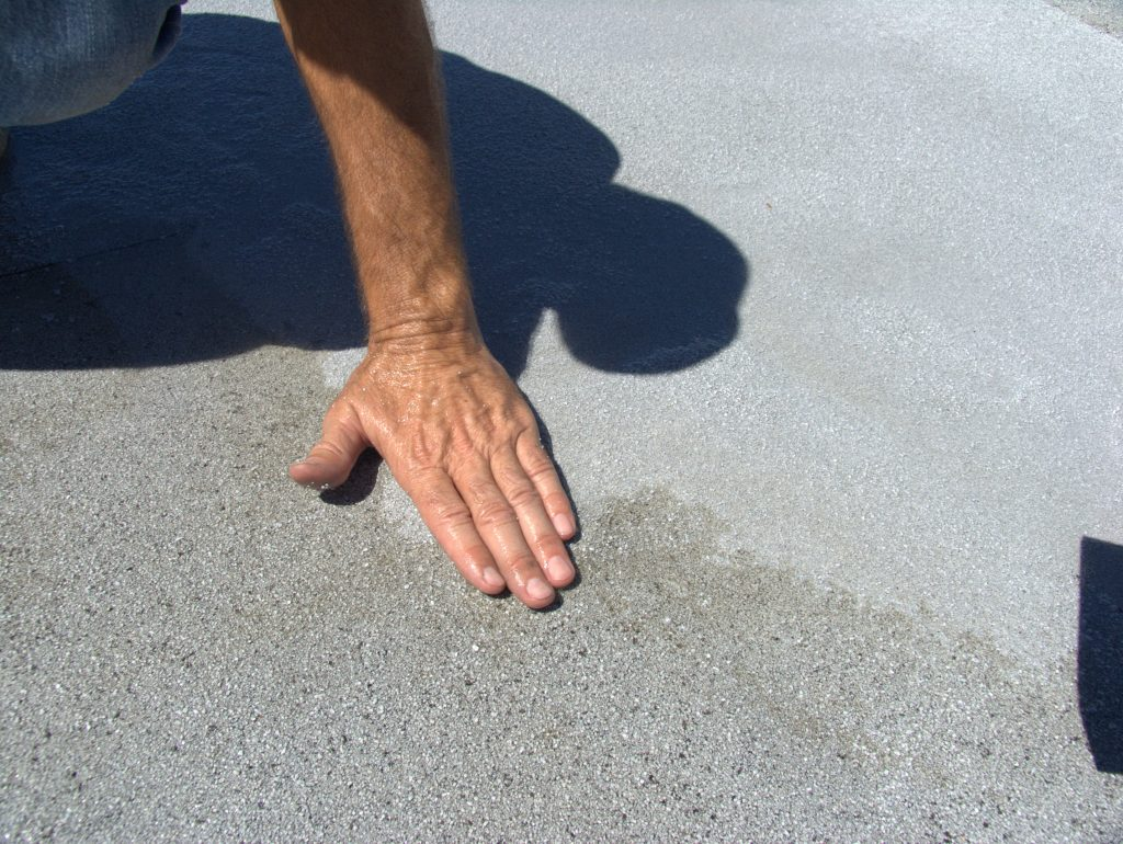 Granulated roof membrane is an asphalt binder that contains colored mineral granules, along with scrim reinforcement