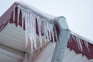 Extreme icicle formation roof