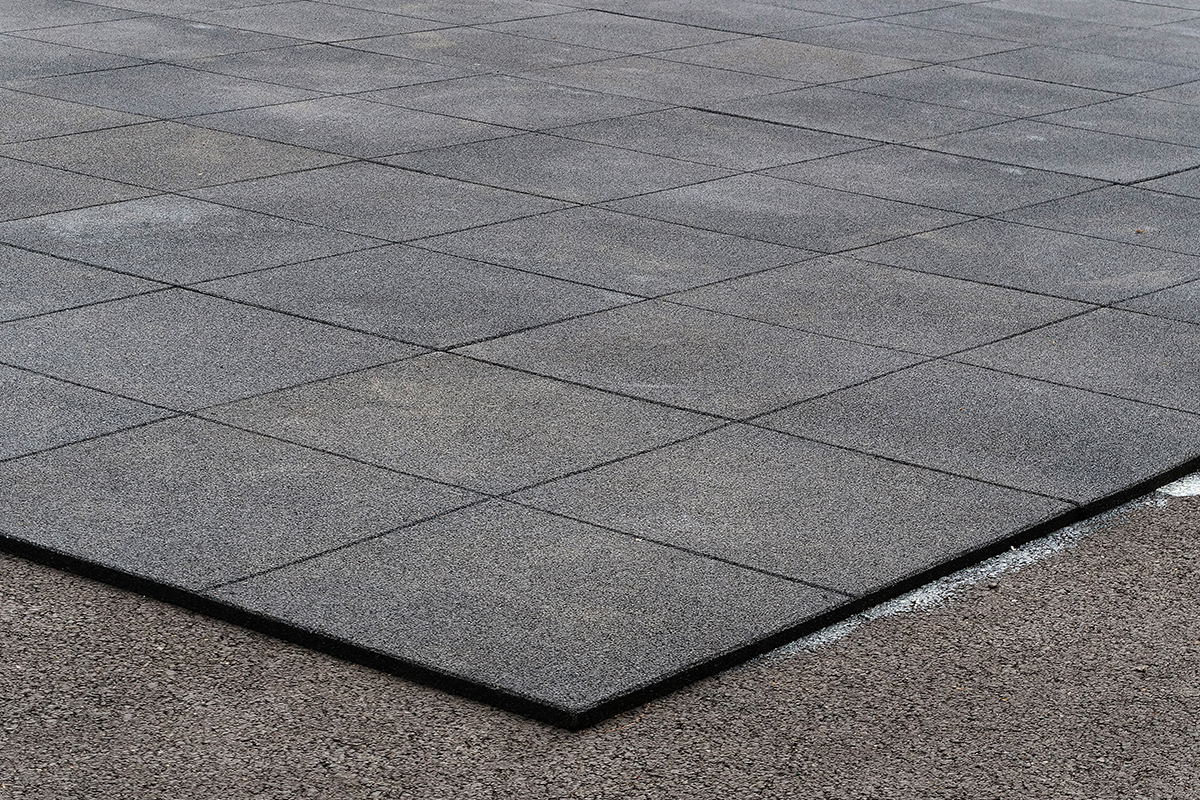 EPDM Roofing Membrane: Characteristics & Lifespan