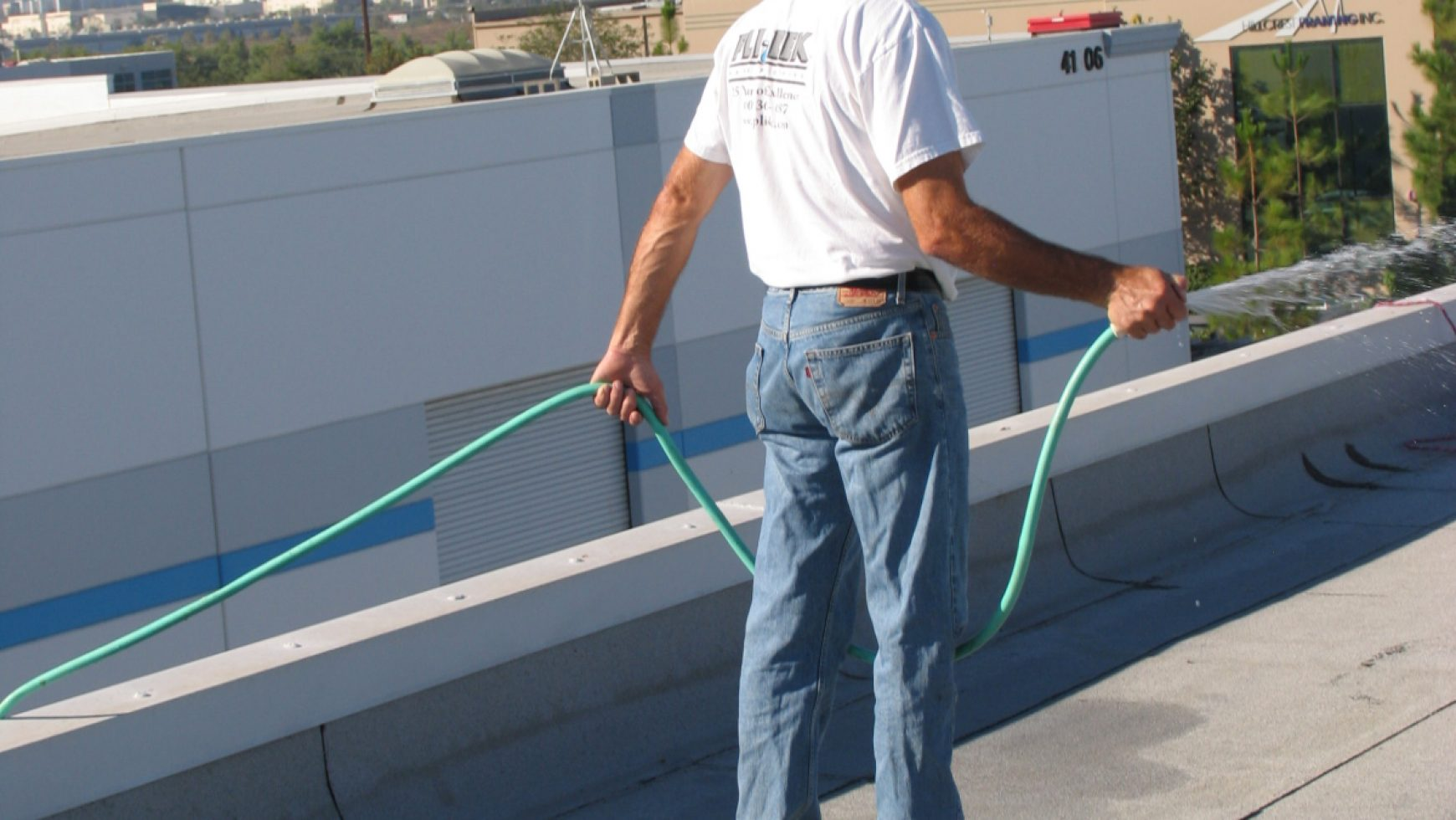 A Few Safety Tips to Keep in Mind When on a Flat Roof